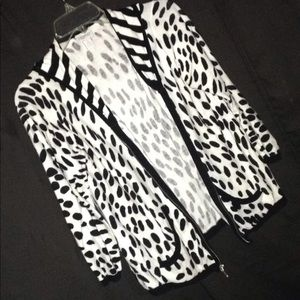 ZENERGY HOOHED SWEATER SZ 1 by Chico's